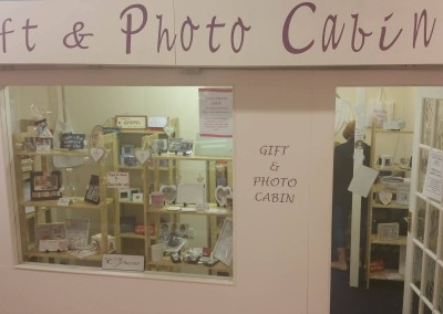 Gift & Photo Cabin